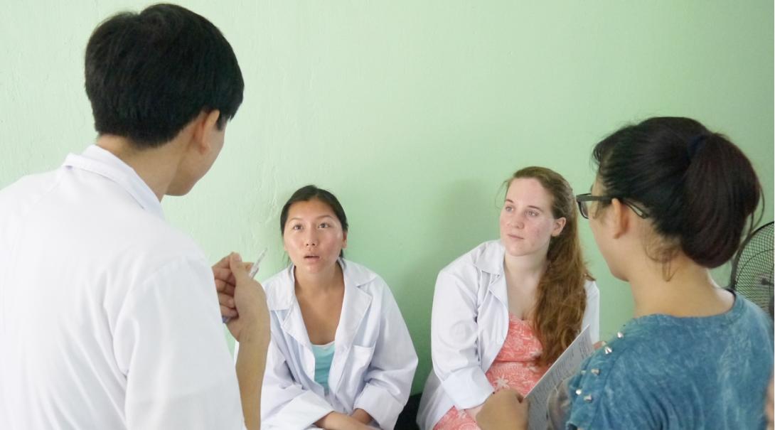 ベトナムの病院で働く医師から学ぶ医療インターン